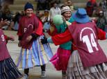 Bolivian Grandmas Play Handball To Stay Fit And It's Amazing