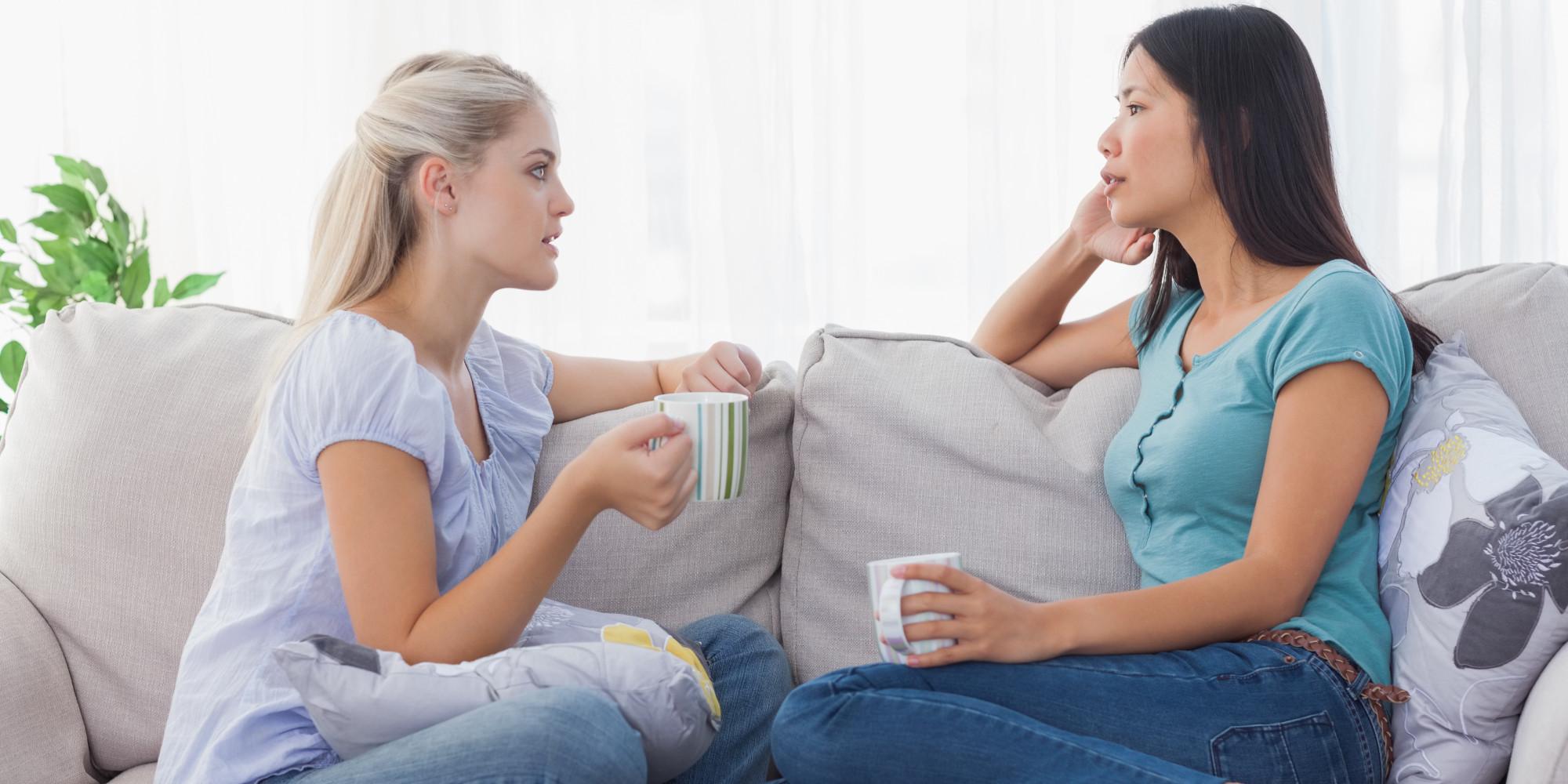 o TWO WOMEN DISCUSSION facebook - Lakukan 15 Kebiasaan Kecil Ini Untuk Menjadi Wanita yang Semakin Baik dan Teratur