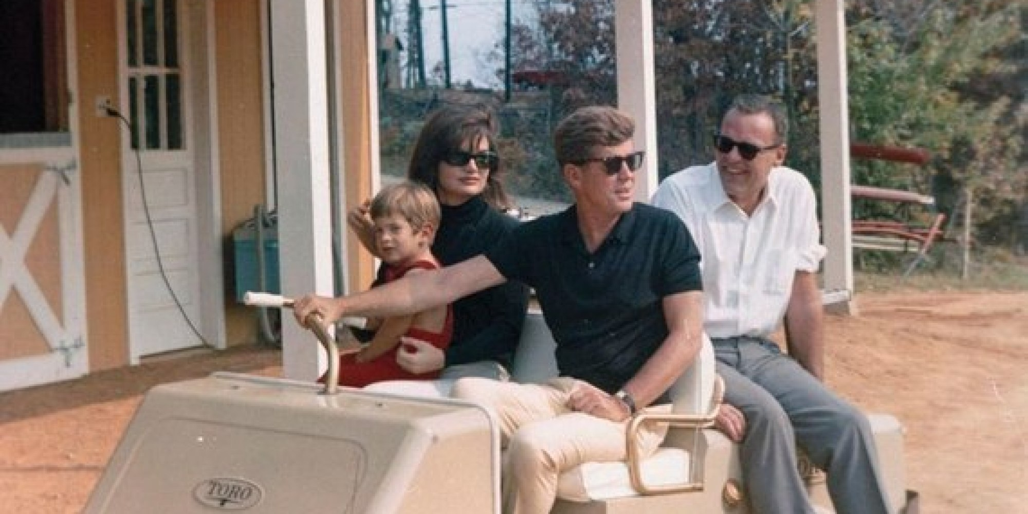 Rare photos of the kennedys 39 virginia estate huffpost for Jackie o house vaucluse
