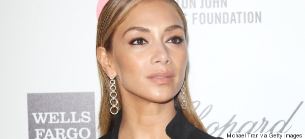 Nicole 'Severs Ties' With Lewis After Split