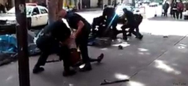 MATAN POLICÍAS DE LOS ÁNGELES A INDIGENTE (EXPLÍCITO)