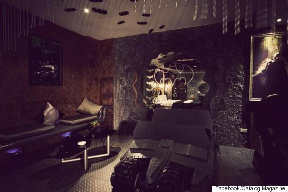 Decorating Ideas > Batman Hotel Room In Taiwan Is All You Need For A Good  ~ 030353_Nerdy Dorm Room Ideas