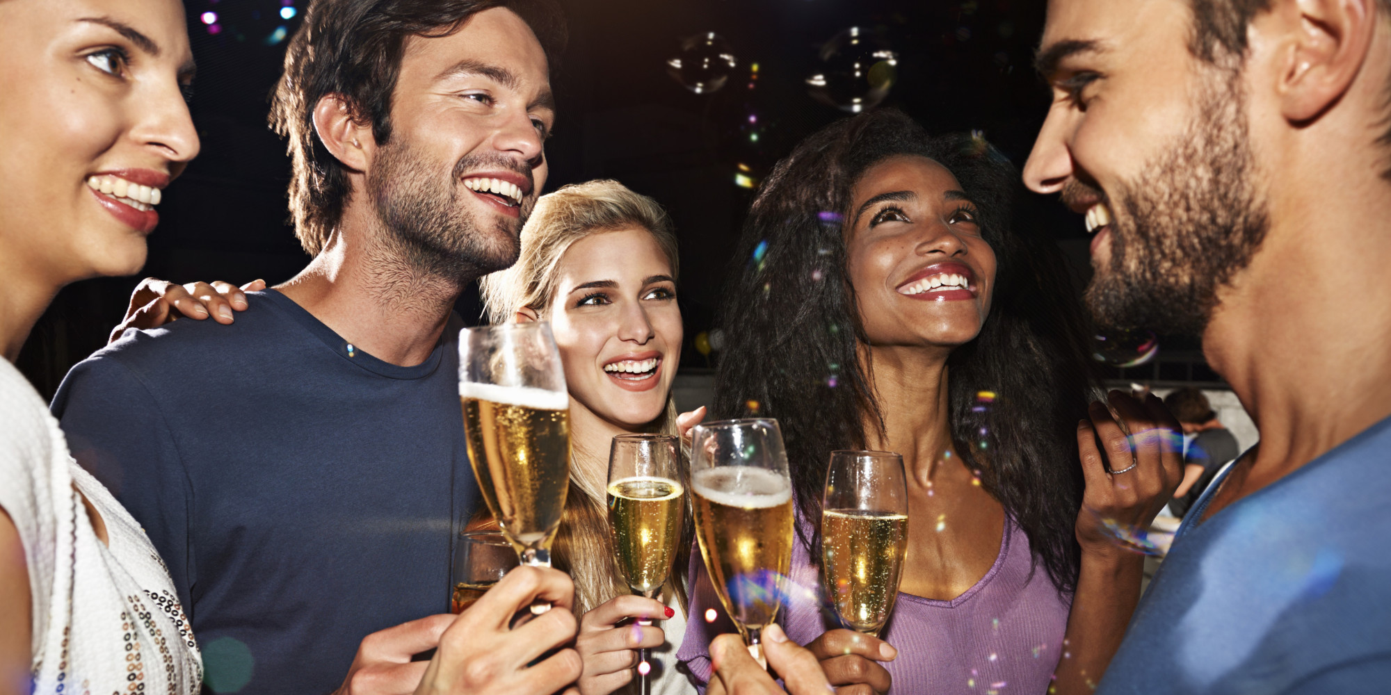 The More Friends At The Bar, The More You'll Drink | HuffPost