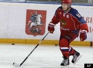 Γιατί ο Πούτιν άρχισε να παίζει χόκεϋ...