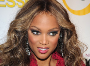 I honestly Don't see why Mediatakeout.com makes suck a big deal about Tyra without make up! Its really not that bad. I mean she does shave about 15 years ...