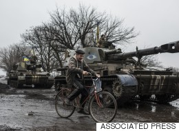 Ukraine: le retrait des armes lourdes est presque terminé