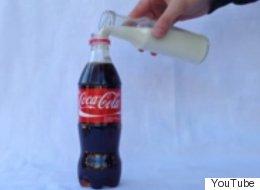 Esto es lo que pasa cuando mezclas Coca-Cola y leche