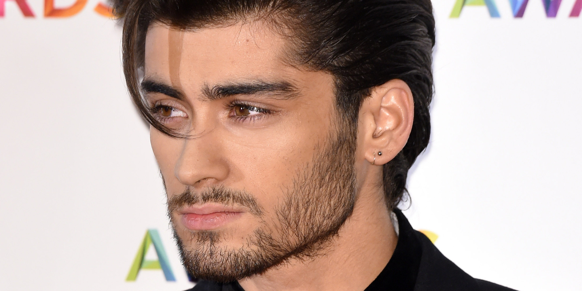Zayn Malik S Sister Asks One Direction Fans To Pray For