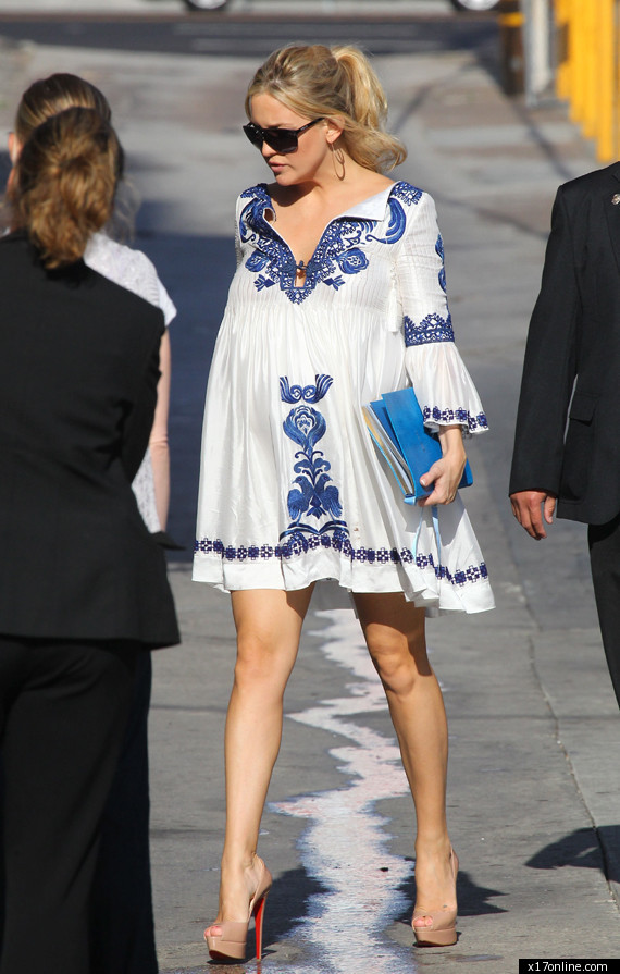 i will call her_Kate Hudson Very Pregnant In Heels (PHOTOS)   HuffPost