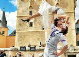 Acrobat Couple Is Getting Married 38 Times In 83 Days On 6 Continents