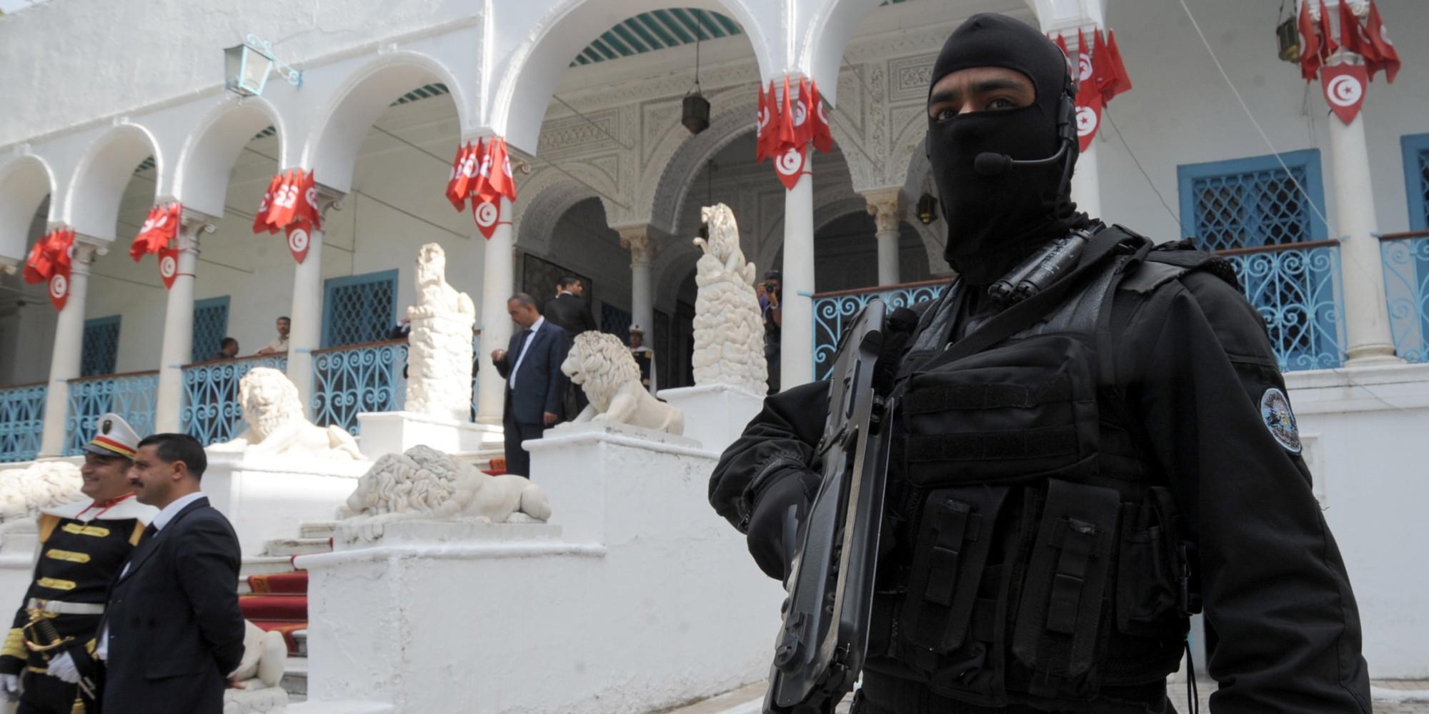 attentat en tunisie les chefs de la police de tunis et du bardo limog s apr s une s rie de. Black Bedroom Furniture Sets. Home Design Ideas
