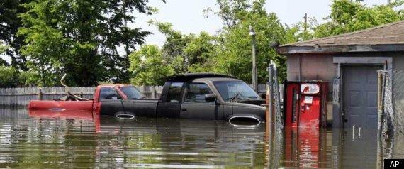 MISSISSIPPI RIVER FLOODS 2011 MEMPHIS