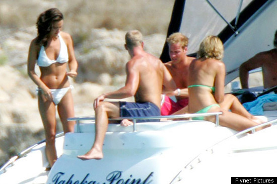 Pippa, at left, with Carole Middleton in the green bikini and Prince William ...