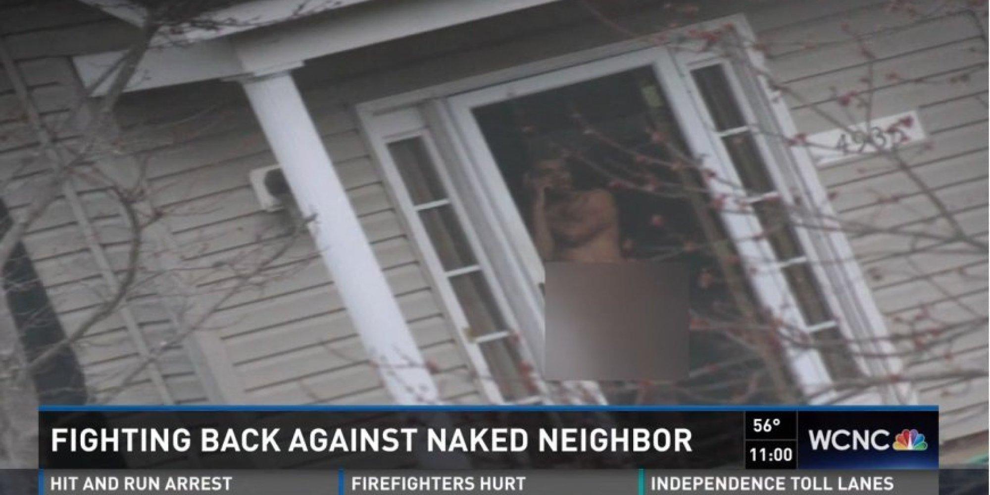 Uitnodigen neighbor naked