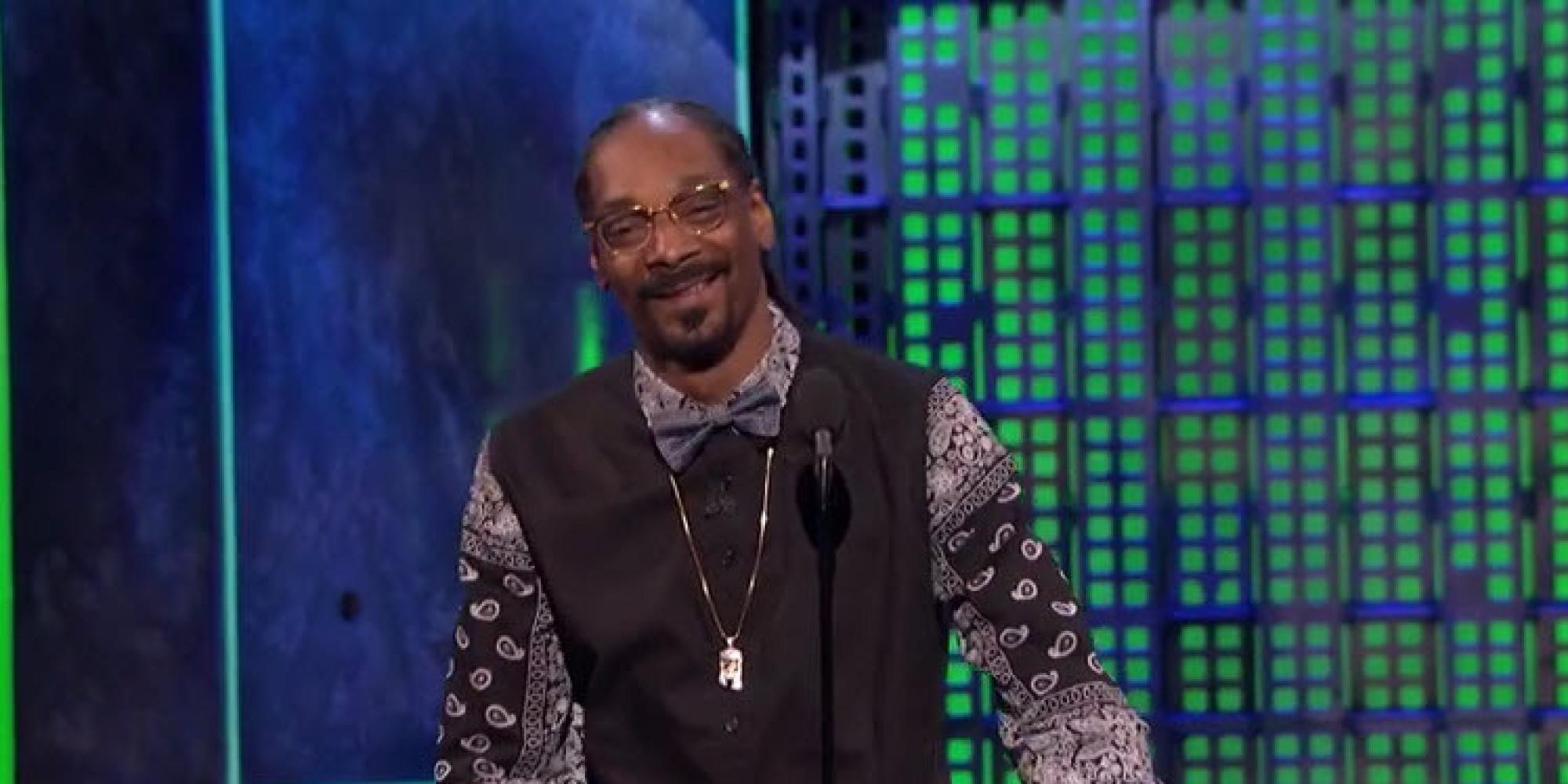 Peek Snoop Dogg Makes a '
