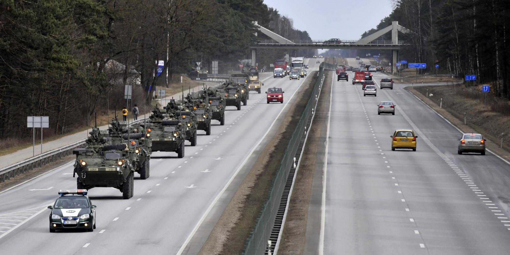 Huffington Post: americký konvoj v EU ukázal světu zaostalost USA