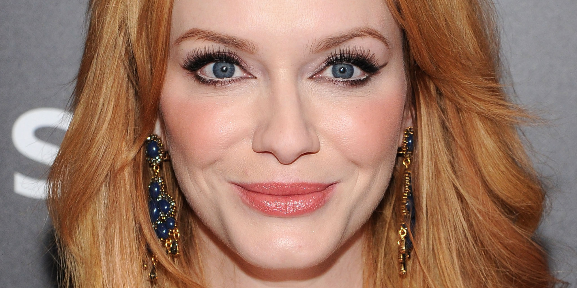 Christina Hendricks Strawberry Blonde Hair Tops This Week S Celebrity Beauty List Huffpost