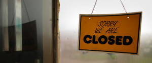 CLOSED SIGN WINDOW