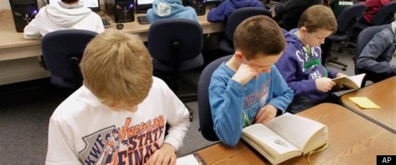 LIBRARY CHILDREN READING