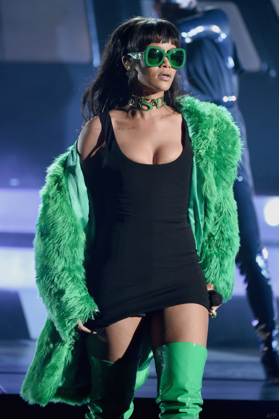 rihanna iheartradio awards