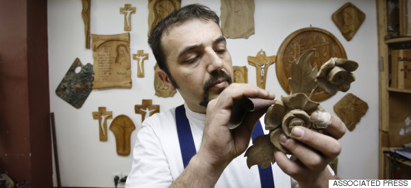 This Bosnian Muslim Family Is Hand Carving A Special Chair For Pope Francis