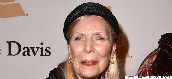 Joni Mitchell Rushed To Hospital