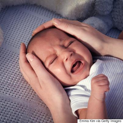night baby crying crib