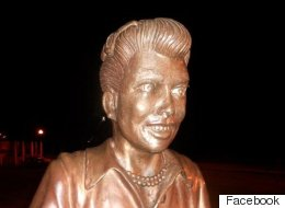 Lucille Ball Fans Say, 'Whaaaaaa' To Her Statue