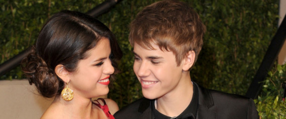 justin bieber selena gomez billboard music awards kiss. Justin Bieber And Selena Gomez
