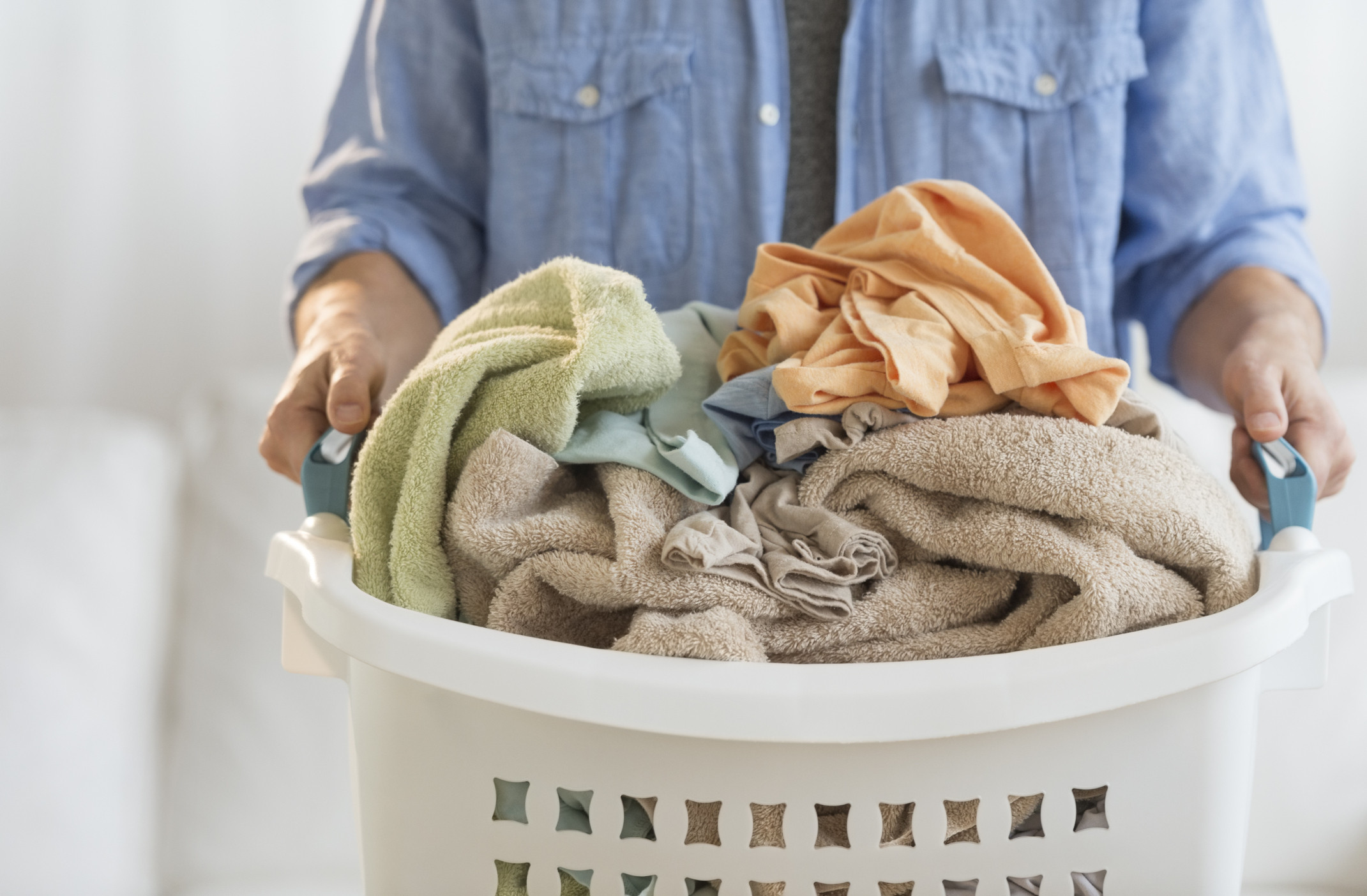 5 Mistakes We All Make When Cleaning Our Sheets Huffpost Life