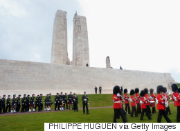 Un timbre canadien et un français pour le centenaire de Vimy