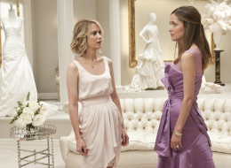 Expert Advice On How To Handle A Difficult Bridesmaid