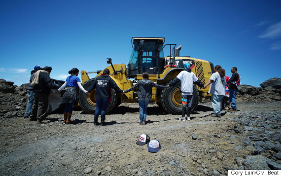 protesters halt hawaii telescope