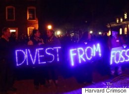 Calling For Divestment, Harvard Protesters Blockade Administration Building