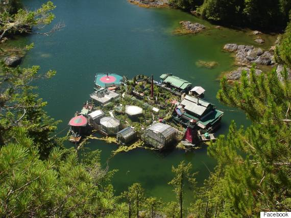 Freedom cove b c float home is a whole new level of off for Building a floating home