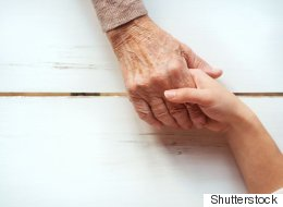 A Daughter Gives Up Her Life To Take Care Of Mother With Alzheimer's