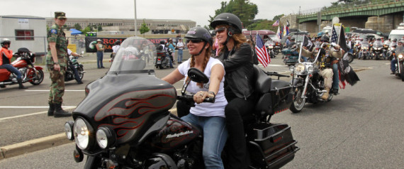 SARAH PALIN MOTORCYCLE PICTURE