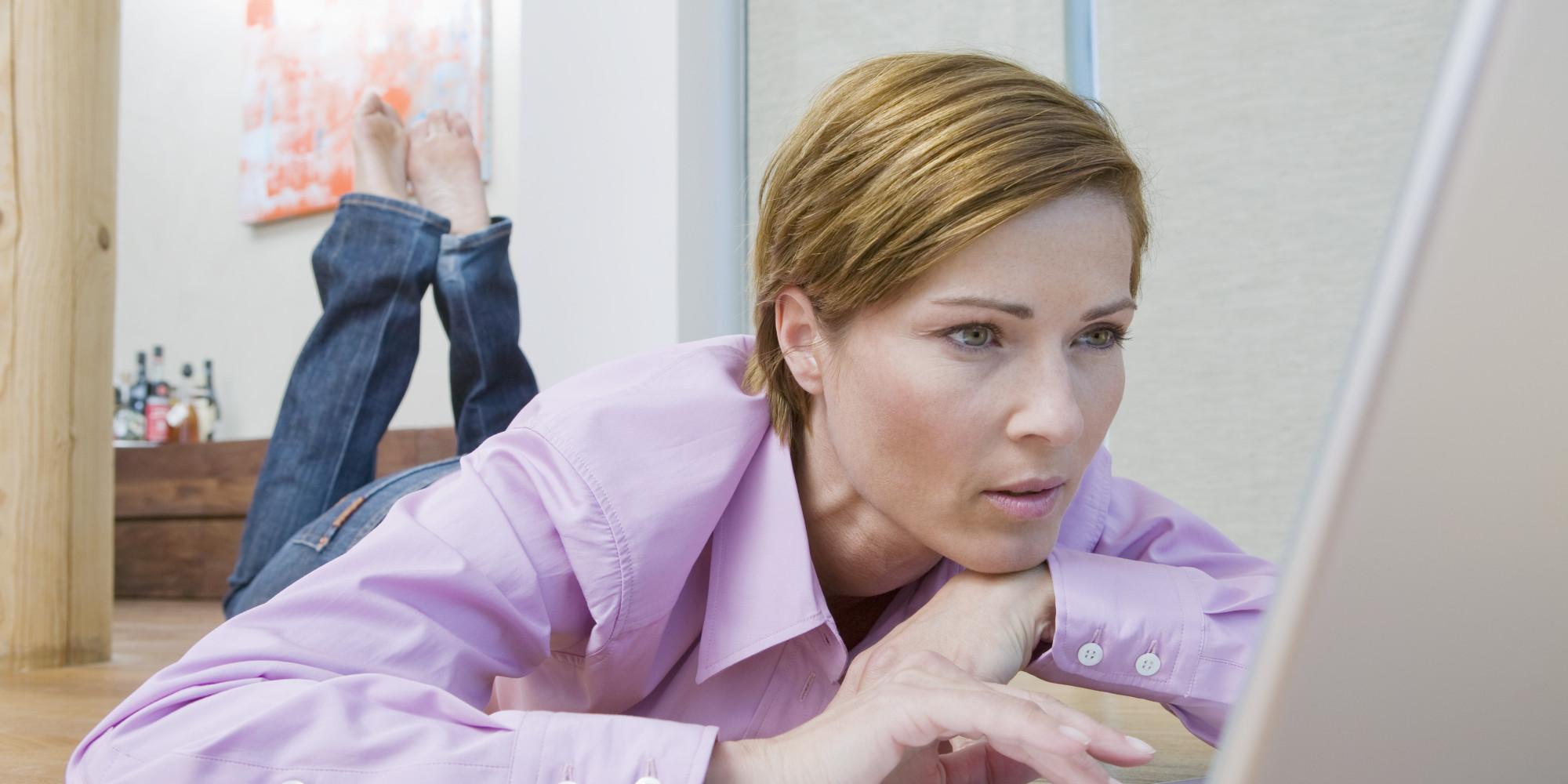 Mature Women Masturbating While On Computers 105
