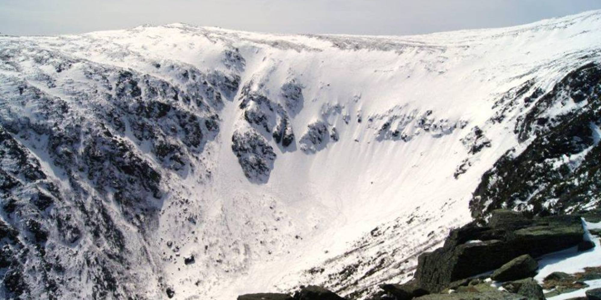 """tuckerman girls For extreme skiers and snowboarders, tuckerman ravine (also known as """"tucks"""") is a mecca you must visit once in your lifetime with no lodge, no terrain parks, or lifts, and the occasional."""
