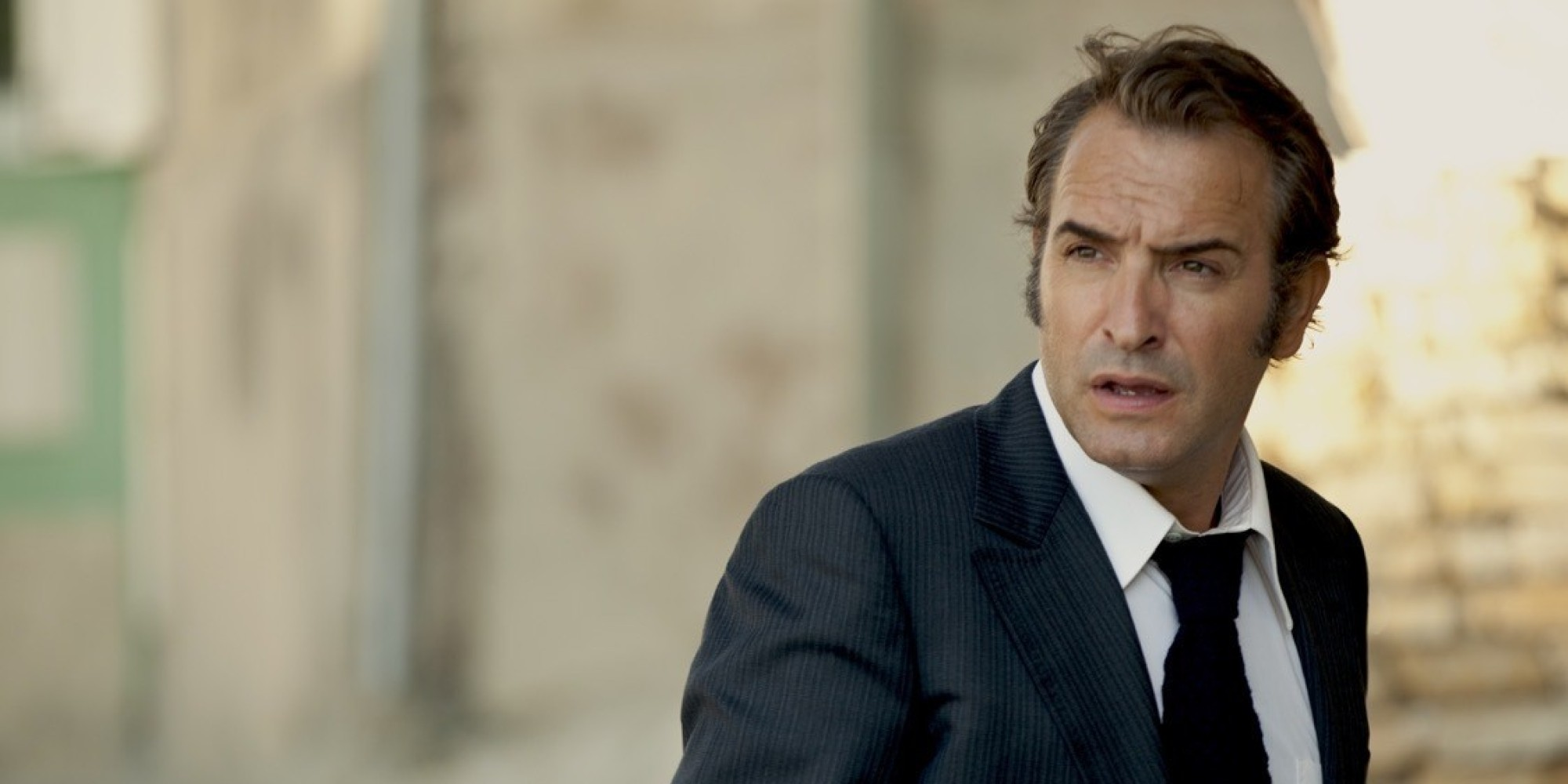 La french jean dujardin se bat contre la p gre vid o for Dujardin facebook