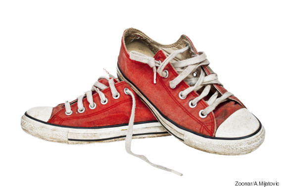 how to clean white sneakers with baking soda