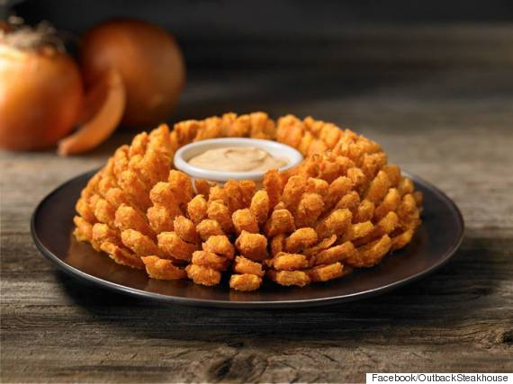 The Bloomin Onion Seems Like It D Be Impossible To Replicate But Folks At Popsugar Have Figured Out How Make This Decadent Dish Home