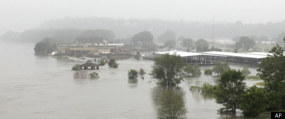 MISSOURI RIVER FLOODING 2011