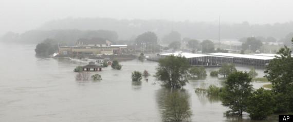 MISSOURI RIVER FLOODING 2011
