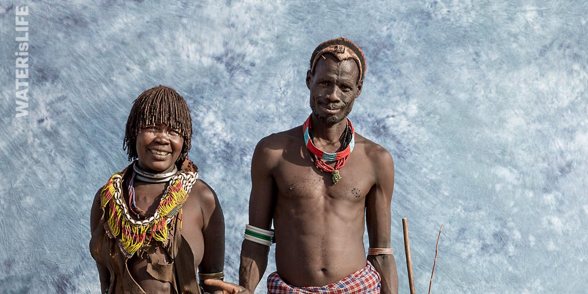 Families In Ethiopia Pose For Sears-Style Photos To Raise
