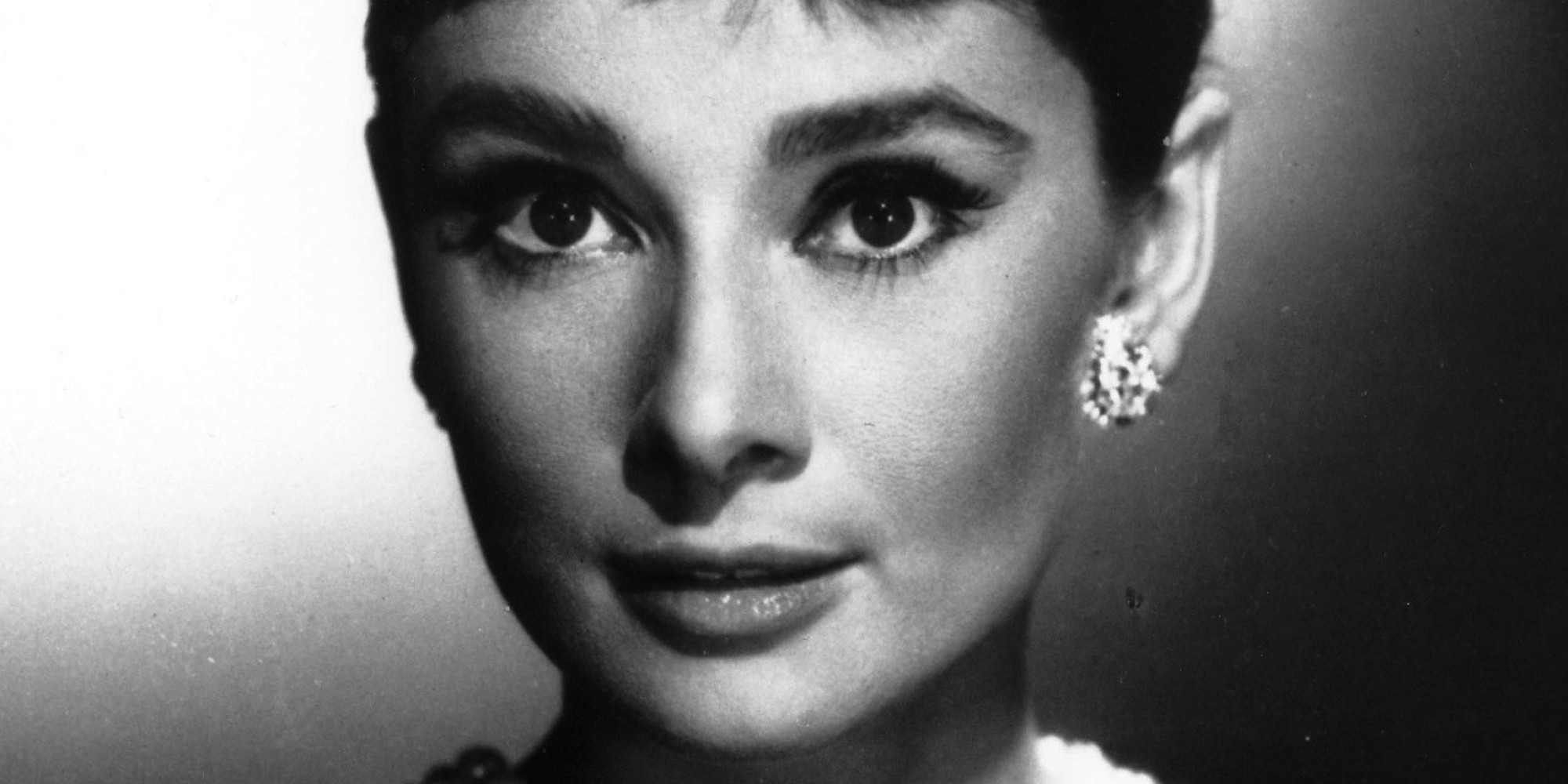 audrey hepburn 39 s legacy is way more than pearls and a little black dress huffpost. Black Bedroom Furniture Sets. Home Design Ideas
