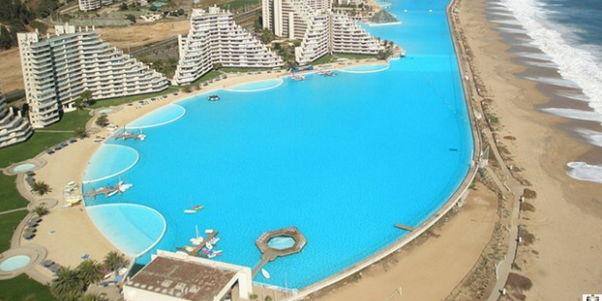 World 39 s largest outdoor pool at chile 39 s san alfonso del for Garden pool facebook