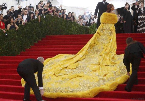 rihanna vestido met 2015