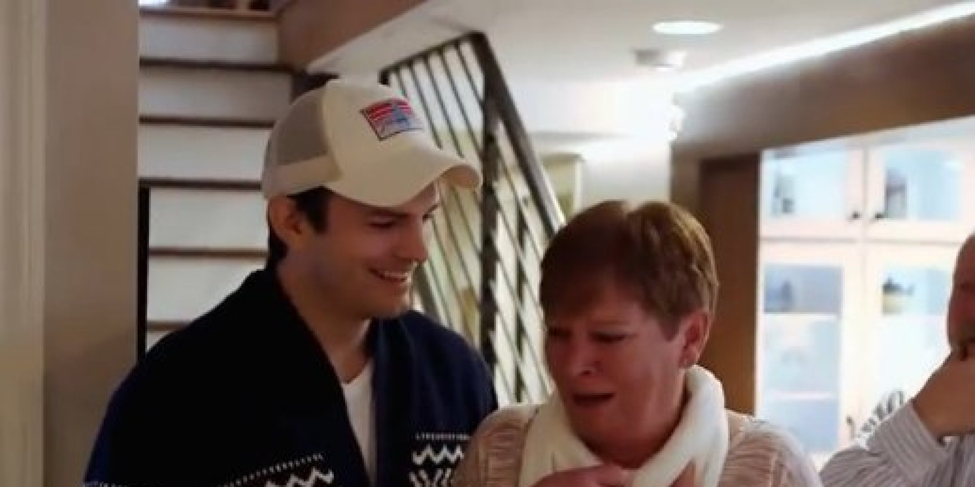 Ashton Kutcher Surprises His Mom For Mother 39 S Day With A Home Remodel Huffpost