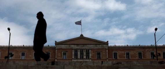 FT: Έτσι αποφεύγει η Ελλάδα τη χρεοκοπία;